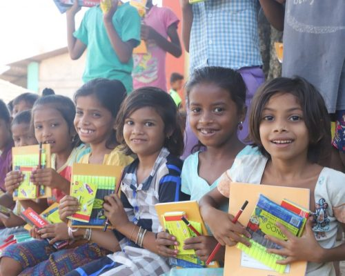 Seawoods-Grand-Central-Mall-empowers-children-of-Dehrang-village-with-a-book-donation-drive-Image-2-1024x683